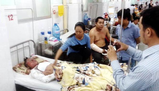 Anh Liêm đang điều trị tại bệnh viện đa khoa Đồng Nai. Ảnh: Hoàng Trường.