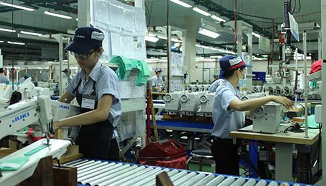 Mức thưởng Tết bình quân của DN FDI ở TP HCM là 5,5 triệu đồng/người. Ảnh: Hồng Đào/ NLĐ