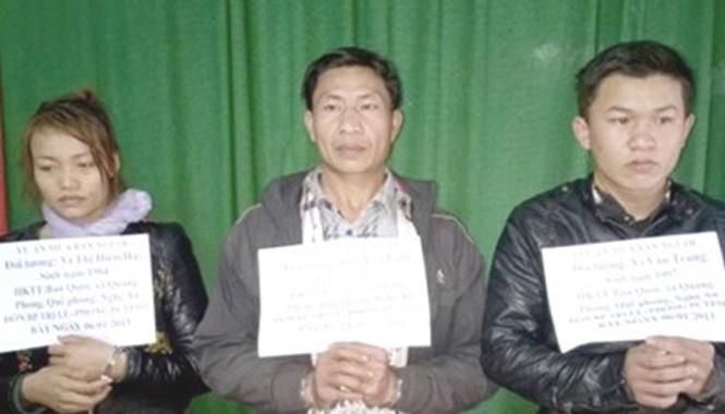 Ba đối tượng tại cơ quan công an. Ảnh Dân Việt.