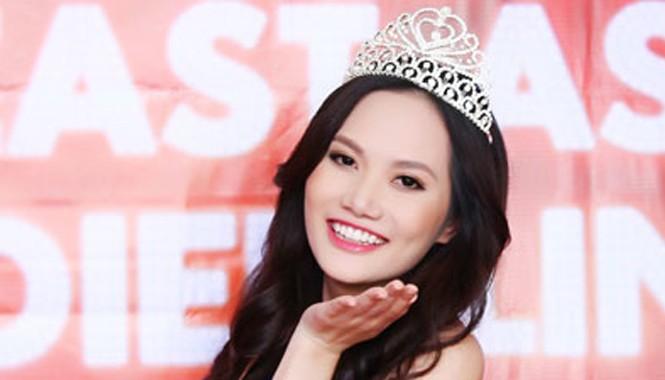 Người đẹp Diệu Linh tại tiệc mừng danh hiệu tổ chức ở TP HCM vào ngày 8/1.