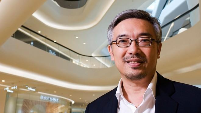 Sau khi mở trung tâm mua sắm Robin ở Việt Nam, tỷ phú Thái Chirathivat lại tiếp tục con đường mà 3 đời kinh doanh của ông vẫn làm, đó là tìm cơ hội, góp vốn và thâu tóm những thương hiệu nổi tiếng nhất tại nước sở tại. Ảnh: Forbes.