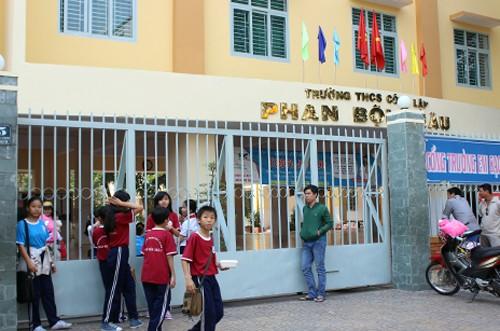 Một nữ học sinh lớp 6 trường THCS Phan Bội Châu đã ngất xỉu rồi tử vong sau đó khi bị cô giáo phạt.
