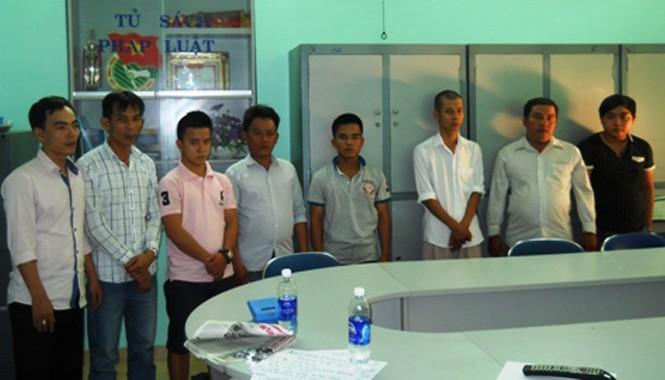 Các đối tượng bị bắt giữ tại cơ quan công an.
