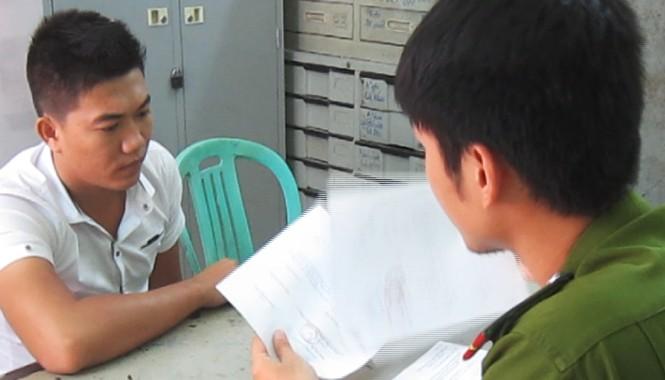 Đối tượng Nguyễn Thanh Nam tại cơ quan công an. Ảnh CA cung cấp.
