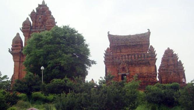 Bí ẩn tháp Po Klong Garai và báu vật cổ Chăm