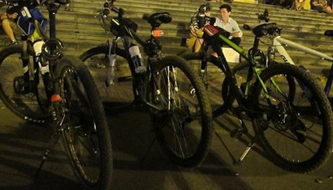 Thú chơi xe đạp đắt tiền xuất hiện nhiều ở Hà Nội trong vài năm gần đây.