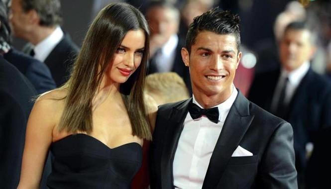 C.Ronaldo xác nhận chia tay Irina Shayk.