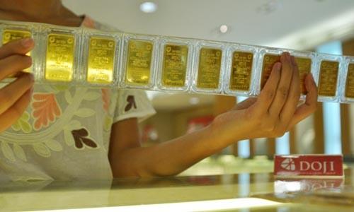 Giá vàng tiếp tục vượt 1.300 USD phiên hôm qua.