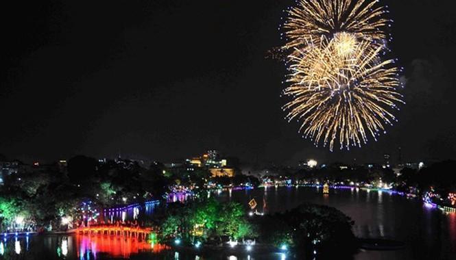 Ngoài 30 điểm truyền thống, Hà Nội sẽ thí điểm bắn pháo hoa ở bãi giữa sông Hồng và không bắn ở cầu Nhật Tân.