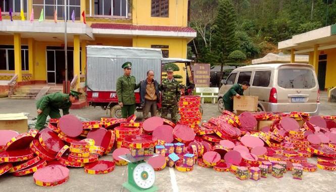 Một vụ bắt giữ pháo nổ nhập lậu từ Trung Quốc vào Việt Nam với số lượng lớn.