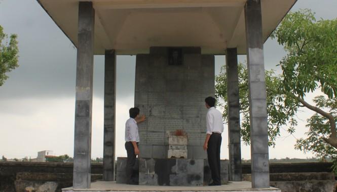 Bia tưởng niệm đồng chí Lê Hữu Lập tại xã Xuân Lộc, huyện Hậu Lộc, Thanh Hóa. Ảnh: Hoàng Lam.