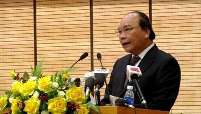 Phó Thủ tướng Nguyễn Xuân Phúc phát biểu chỉ đạo hội nghị. Ảnh: VGP.