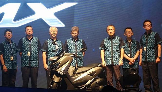 Nmax 150 xuất hiện cùng các lãnh đạo trong sự kiện nội bộ của Yamaha.