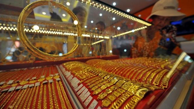 Giá vàng hôm qua đã giảm hơn 2% xuống đáy 2 tuần.