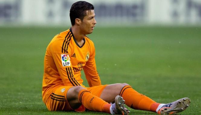 Chấn thương đầu gối vẫn luôn là nỗi ám ảnh với Ronaldo.