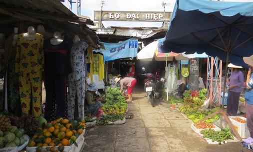 Chợ Đại Hiệp cũ nơi bà Tân tự thiêu sáng 31-1 Ảnh: Tiểu Uyên.