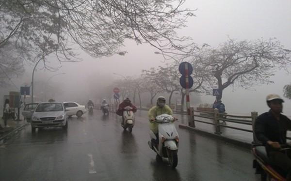 Không khí lạnh tràn về, Hà Nội có mưa rào và giông