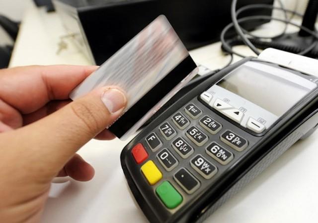 """Ông David John cho rằng nhân viên nhà hàng N đã 8 lần """"quẹt thẻ"""" gây thất thoát của ông hơn 683 triệu đồng. Ảnh minh họa."""
