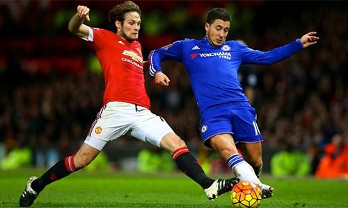 Chelsea cảm thấy bị nhà tài trợ phân biệt đối xử khi đặt cạnh giá trị hợp đồng lớn mà các đối thủ trong đó có Man Utd, và đây là lý do khiến họ quyết định thôi hợp đồng sớm để bắt tay với Nike. Ảnh: ManUtd.