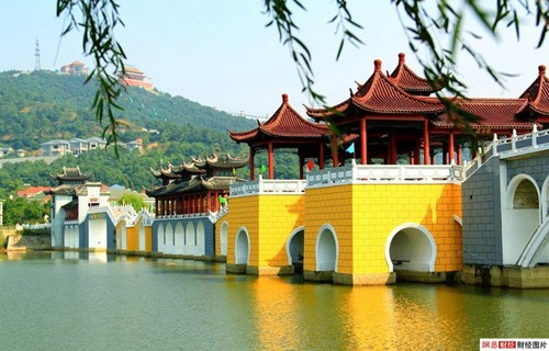 Làng Hoa Tây nằm ở phía tây bắc của thành phố Thượng Hải, cách nơi đây chỉ một vài giờ lái xe. Ảnh: Chinaexpat.