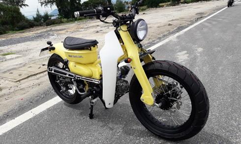 Honda Super Cub độ tại Khánh Hòa. Ảnh:Bình Camranh.