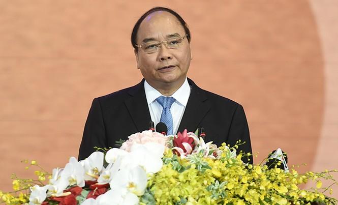 Thủ tướng Nguyễn Xuân Phúc: Chính phủ cũng như bản thân tôi đặt kỳ vọng Long An sẽ vươn mình trở thành một trong những đầu tàu kinh tế mạnh nhất cả nước trong nhiệm kỳ này.