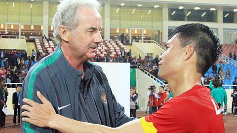 HLV Riedl từng ba lần dẫn dắt tuyển Việt Nam, Công Vinh là học trò cũ của ông.
