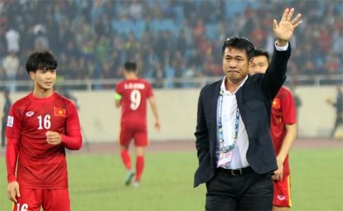 Không đạt mục tiêu vào chung kết nhưng đội bóng dưới thời HLV Hữu Thắng luôn chơi máu lửa. Ảnh: Đức Đồng.