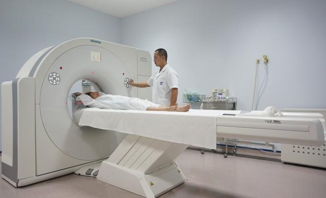Hệ thống máy cắt lớp vi tính 64 dãy vừa được Bệnh viện Việt Pháp Hà Nội trang bị.