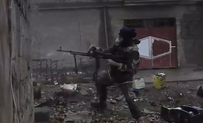 IS khoe video dùng súng máy tấn công quân đội Iraq