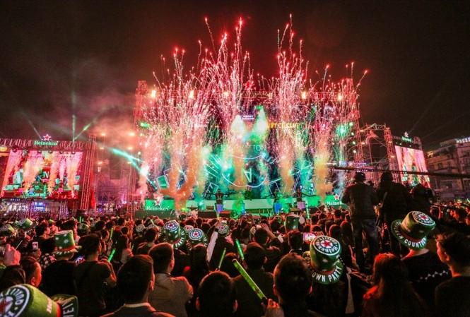 Mỹ Tâm, Nguyên Khang tạo kỷ lục trong đêm đón năm mới