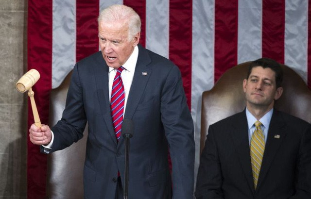 Phó Tổng thống Mỹ Joe Biden tuyên bố ông Donald Trump chính thức đắc cử Tổng thống thứ 45 của Mỹ. Ảnh: Getty.