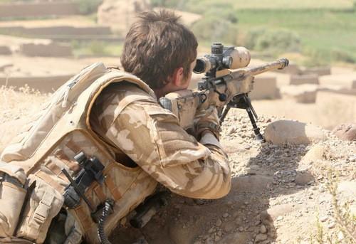 Một lính bắn tỉa SAS tại Iraq. Ảnh: Alalam News.
