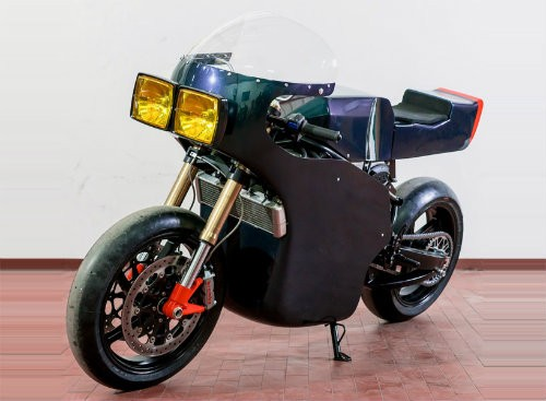 Soi 'cú đêm' cực ngầu Ducati 750 F1