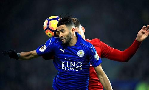 Leicester City sa sút không phanh sau chiến tích vô địch Ngoại hạng Anh. Ảnh: Reuters.