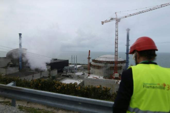 Nhà máy điện hạt nhân Flamanville ở tây bắc Pháp. Ảnh: Reuters.