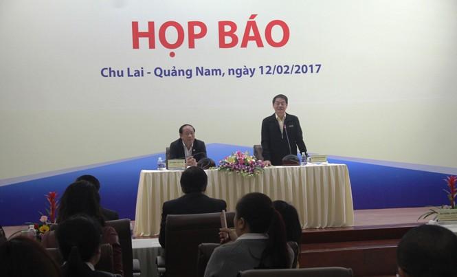 Ông Đinh Văn Thu-Chủ tịch UBND tỉnh Quảng Nam và ông Trần Bá Dương – Chủ tịch HĐQT Thaco chủ trì họp báo.