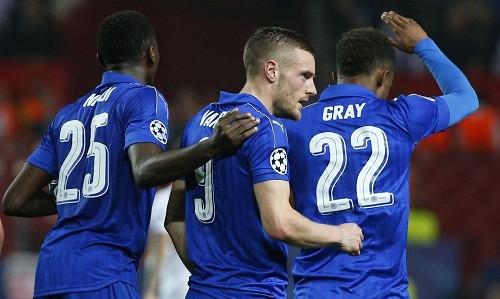 Pha lập công đầu tiên của Vardy tại Champions League có ý nghĩa quan trọng với Leicester. Ảnh: Reuters.