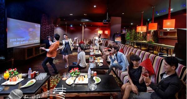 Chủ cơ sở karaoke sẽ bị thu 2.000 đồng/bài hát.