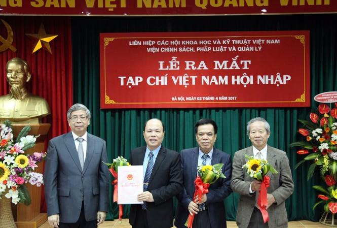 Lễ ra mắt Tạp chí Việt Nam Hội Nhập sáng 2/4.