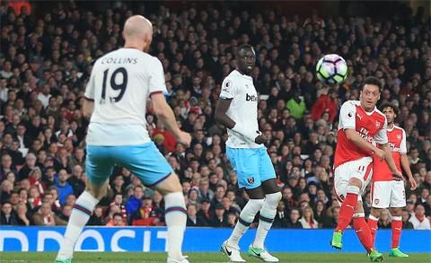 Vùi dập West Ham, Arsenal tìm lại niềm vui chiến thắng