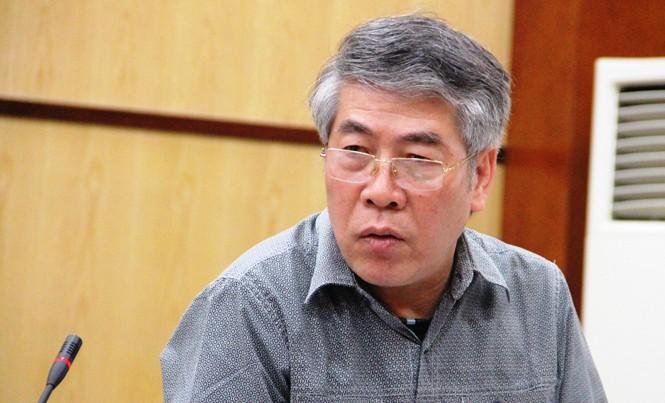 Ông Nguyên Minh Huân, Phó giám đốc Sở Xây dựng trả lời tại cuộc họp báo.