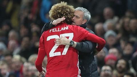 Mourinho và ơn tri ngộ với 'tóc xù' Fellaini