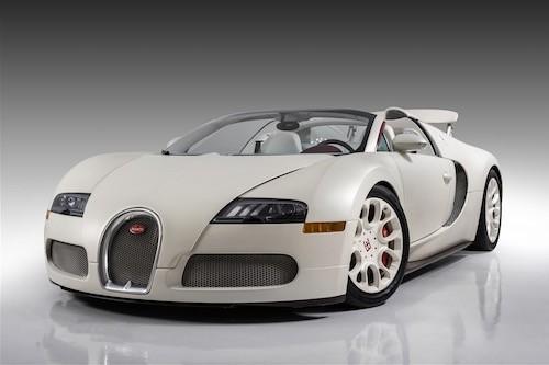 Veyron Grand Sport đời 2011 rao bán ở mức 2,45 triệu USD.