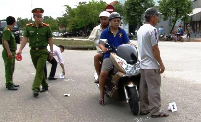 Dựng hiện trường vụ tai nạn phục vụ công tác điều tra.