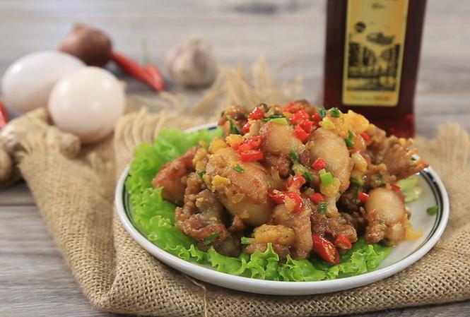 Món Ếch chiên trứng muối - nguồn Feedy.vn.