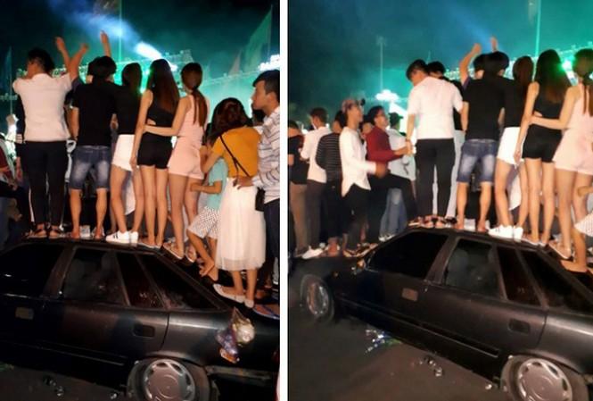 Nhóm thanh niên vô tư leo lên xe nhún nhảy. Ảnh: Thám Tử Vũng Tàu.