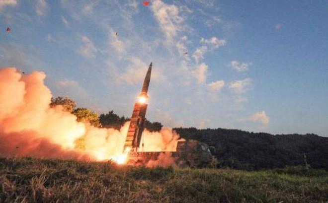 Tên lửa đạn đạo Hynmoo II của Hàn Quốc. Ảnh: AP