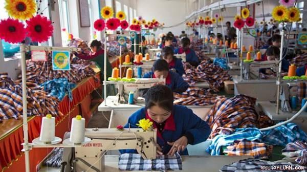 Một xí nghiệp may mặc ở Triều Tiên
