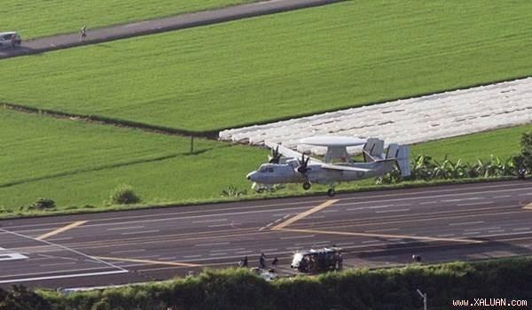 Máy bay cảnh báo sớm E-2K của Đài Loan